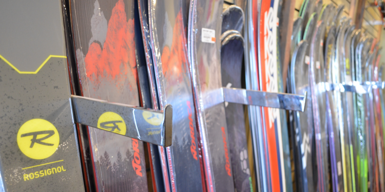 Buy or Rent? The Best Option for Skis and Snowboards